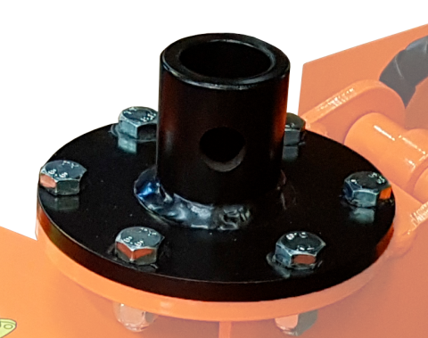 Rotator adapter mounted on flange